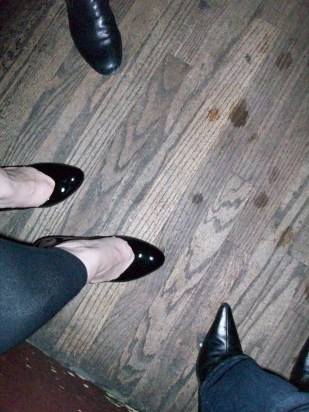 I've succumbed. Footless tights are my new pants.